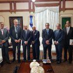 Presidente Medina recibe inversionistas turísticos planean  proyectos en costa Norte