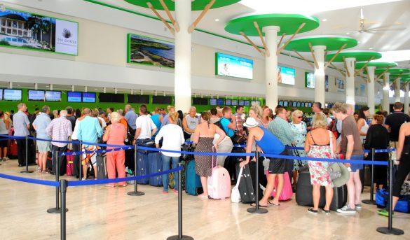 Llegada turistas por vía aérea incremento un 4.7%