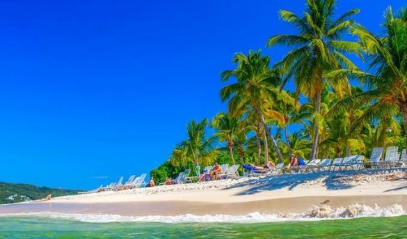 El turismo dominicano flota, bajo el embate de campaña internacional