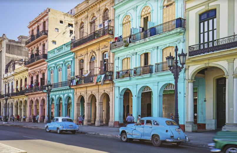 Cuba proyecta caída del 10% arribo de turistas extranjeros