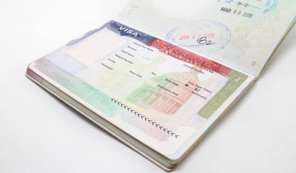Los documentos fundamentales que no debes empacar en la maleta cuando viajas al exterior