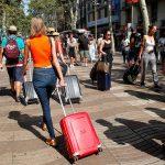 Los sectores turísticos y comercial tiemblan ante el estallido de violencia en Cataluña