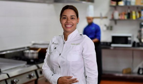 Maria Marte prestigiosa Chefs dominicana, narra su vida e historia profesional en convención gastronómica Bahía Príncipe