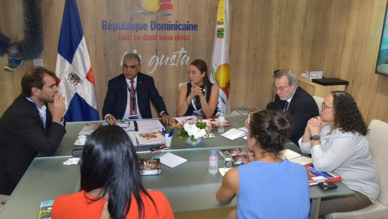Logra importantes acuerdos para sector turístico de RD