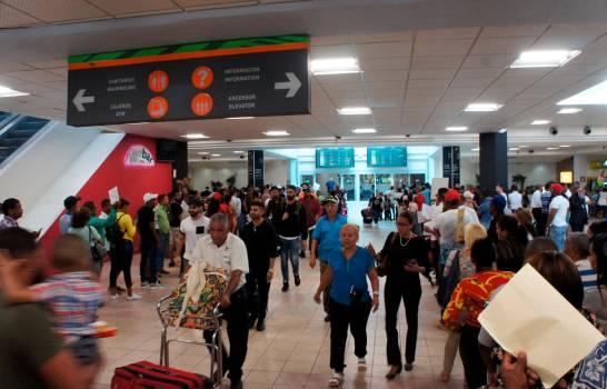 En octubre entraron al país más de 540 mil viajeros por los diferentes aeropuertos
