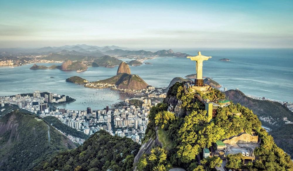 Brasil hundirá 25 barcos y aviones para impulsar el turismo de buceo
