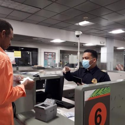 RD amplía medidas en aeropuertos y zonas turísticas para evitar el coronavirus