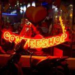 Amsterdam considera prohibir los cafés de venta de cannabis para los turistas