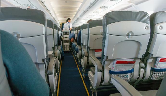 Así es el futurista Maveric, el avión con asientos en las alas