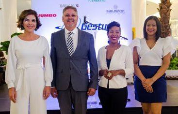 """""""Dale Una Vuelta A Tu País"""" promoción agencia Gestur como Destino del Mes celebrando el turismo local"""