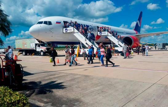 Mayoría de turistas que visitó RD en 2019 fueron jóvenes