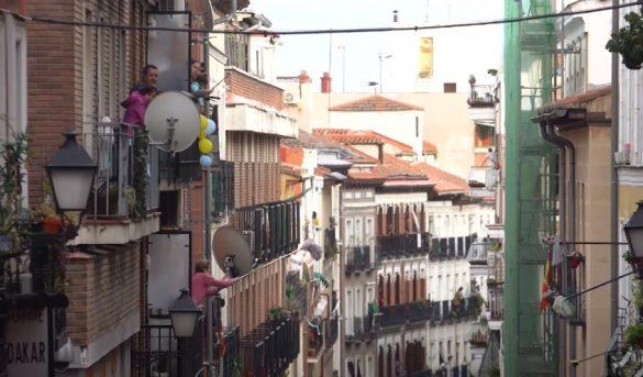 Video: Vecinos se saludan con suape