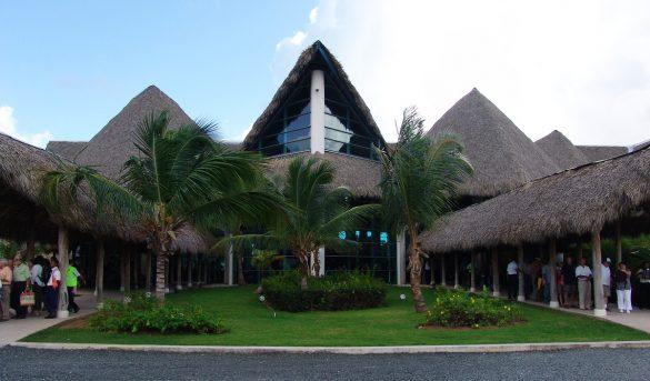 El aeropuerto de Punta Cana se mantiene abierto, pero sin vuelos