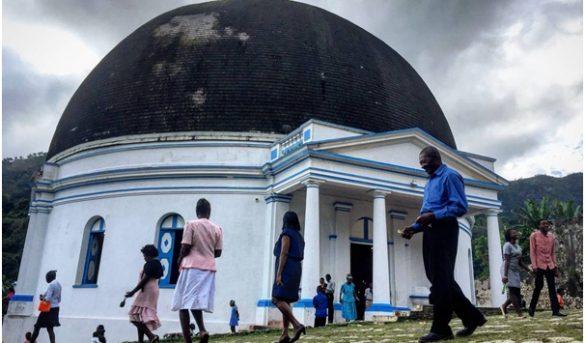 Fuego destruye histórica iglesia de Haití, declarada por UNESCO patrimonio mundial