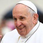 Dónde ver las misas y el Vía Crucis por internet