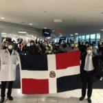 Retornan al país los primeros viajeros dominicanos varados en EEUU