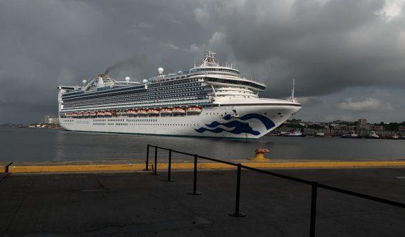 Atraca crucero en Puerto Santo Domingo procedente de las Bahamas con dominicanos a bordo