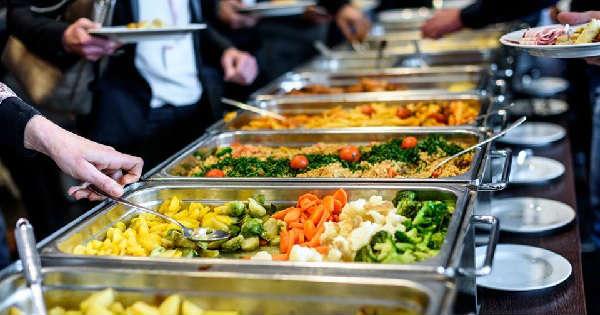 Así será el nuevo servicio de buffet en los hoteles post Covid-19