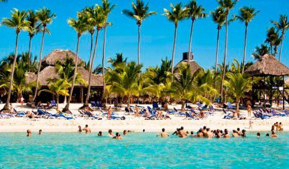Sector turístico define estrategias para salvar el verano