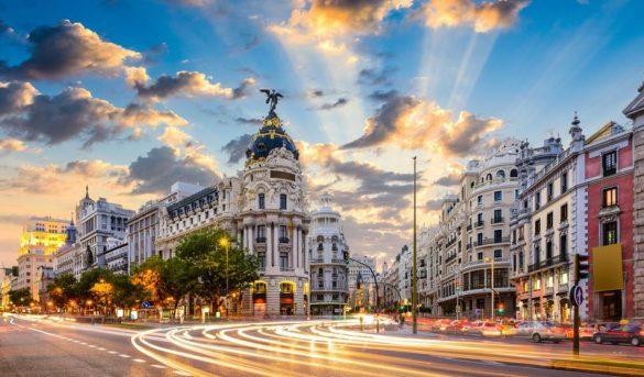España abre puerta llegada de turistas franceses, italianos y alemanes sin cuarentena a mediados de junio