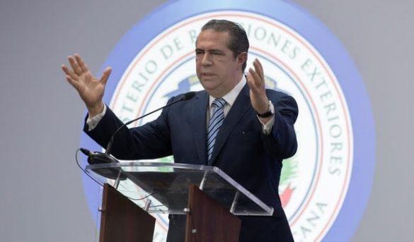 """R. Dominicana está """"lista"""" para reabrir turismo el 1 de julio."""