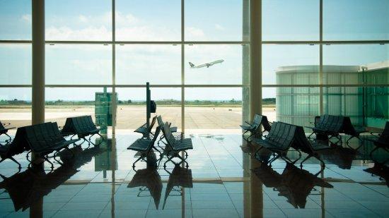 Las restricciones a viajes turísticos comienzan a liberarse: OMT