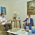 Collado aborda retos de la industria con el VP de negocios turísticos del Banco Popular