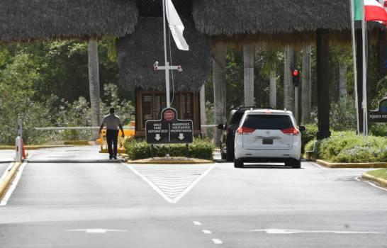 Multiples Equipos de Prensa rodean- Casa de Campo- interesada en saber el paradero del Rey Juan Carlos