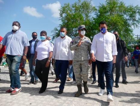 Ministro de Turismo se reúne con representantes de Boca Chica, Guayacanes y Juan Dolio
