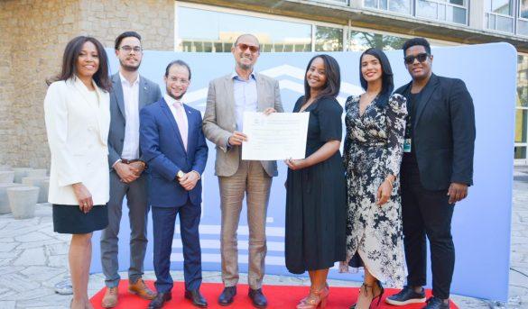 RD recibe certificado de la Unesco que acredita la bachata como Patrimonio de la Humanidad
