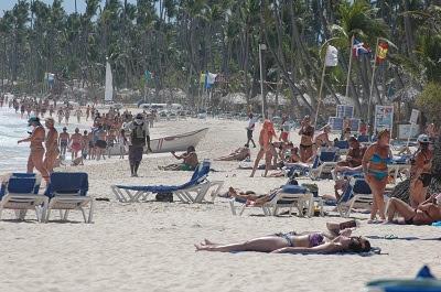 Impacto de la Covid-19 al turismo en Rep. Dominicana provoca disminución del 61% en la llegada de turistas