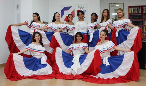 RD se promueve en Montreal, Canadá de la mano de su ballet folklórico
