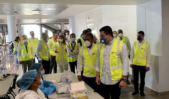 Autoridades visitan el AILA al iniciar Plan Recuperación del Turismo