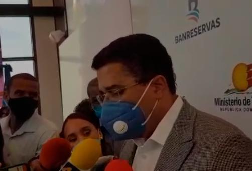 """Ministro de Turismo también favorece """"flexibilización"""" del toque de queda"""