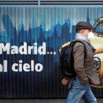 Los turistas se desvanecen en un Madrid cerrado