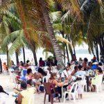 Más de 20 mil personas visitaron playa de Boca Chica este fin de semana