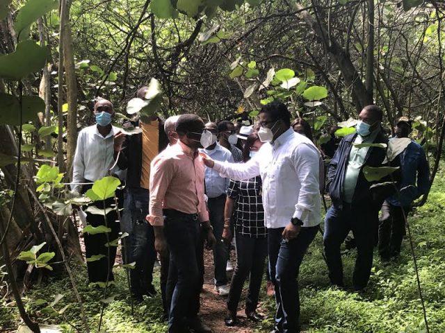 Senador elaborará plan para el desarrollo turístico de Nigua