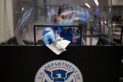 Aeropuertos en tiempos de pandemia: 12 consejos para viajar tranquilos