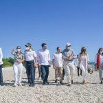 Collado explora potencial turístico de playa El Quemaito en Barahona