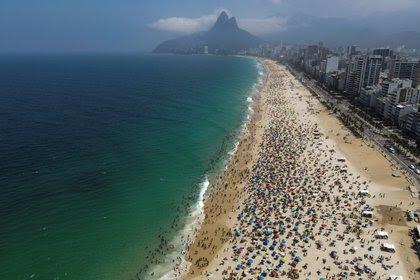 Para activar Turismo, Río de Janeiro liberó playas y discotecas en una nueva fase de su rápida desescalada