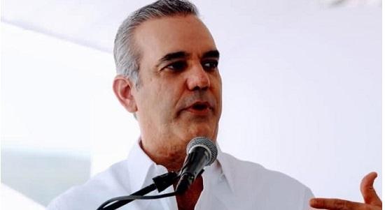 Recorrido | Empresarios de Punta Cana exponen a Abinader problemas de la zona