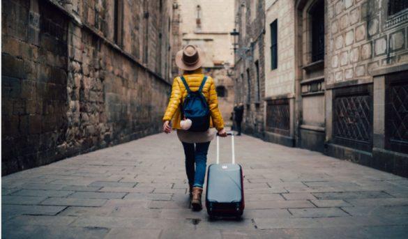 Cae el gasto de los turistas que visitaron el país; aumentan su estadía