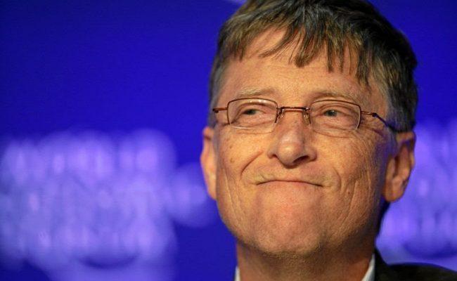 Cuándo podremos viajar con seguridad por todo el mundo, según Bill Gates