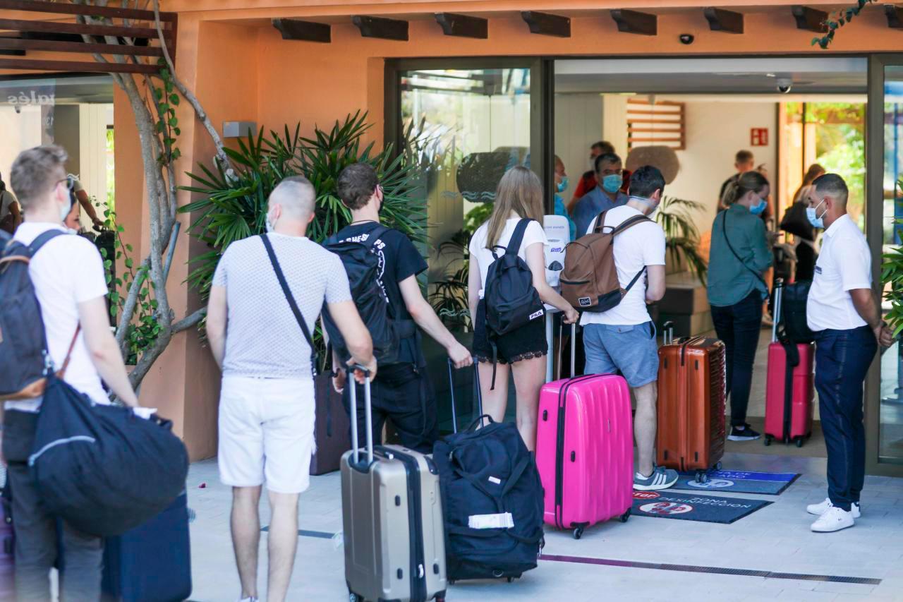 Llegada de turistas extranjeros a Rep. Dom. cayó 73.3 % en primer bimestre