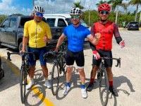 David Bisbal bicicleteando en RD
