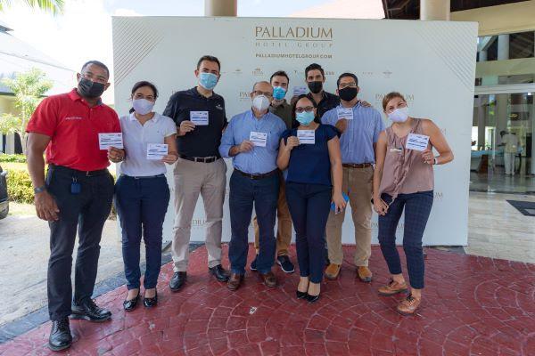 Hotel Palladium vacuna a todos sus empleados en República Dominicana