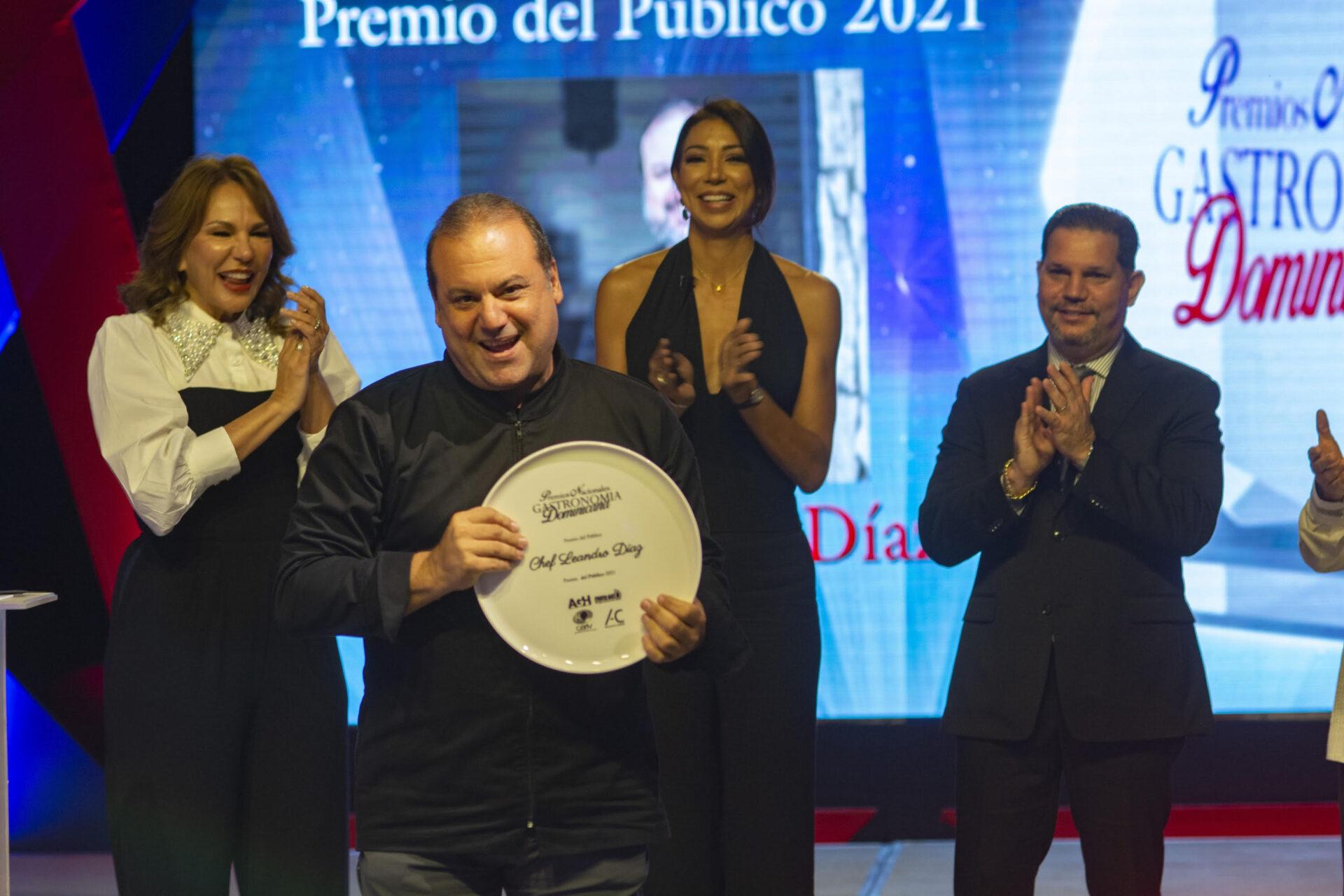 Entregan 1er Premio Nacional de Gastronomía reconocen mejores talentos de la cocina dominicana