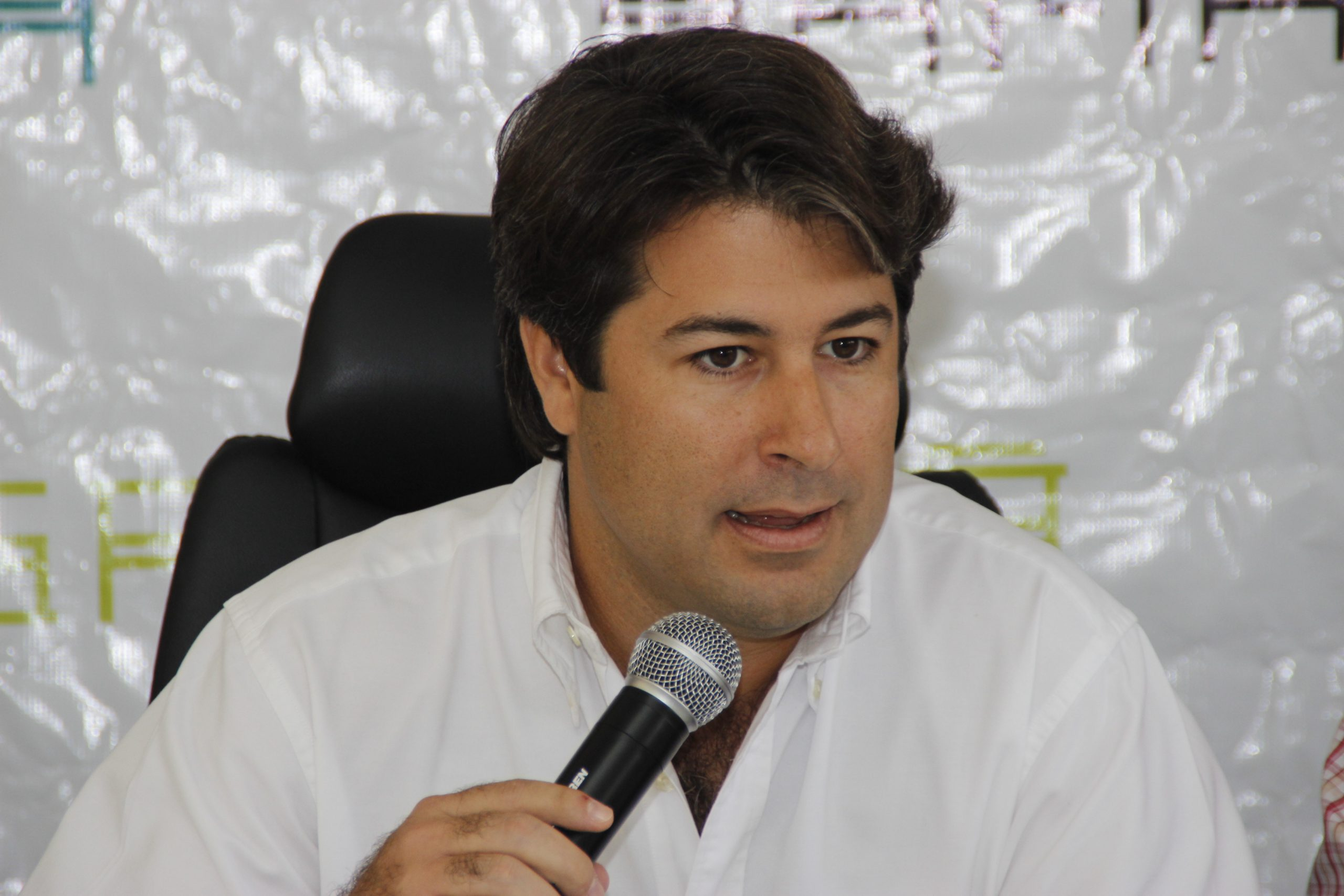 Presidente de Asonahores dice sector turístico no contempla flexibilizar protocolos contra covid