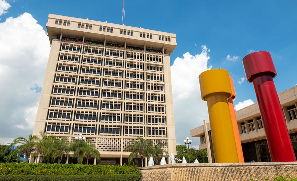 Banco Central informa turismo encabeza inversión extranjera directa este año 2021